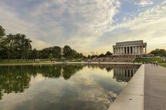 Sikt till Lincoln Memorial på solnedgången huswashington för c D white C , USA Royaltyfri Bild