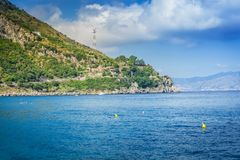 Sikt till och med den Messina kanalen arkivfoto