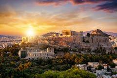 Sikt till Parthenontemplet på akropolen av Aten, Grekland royaltyfri fotografi
