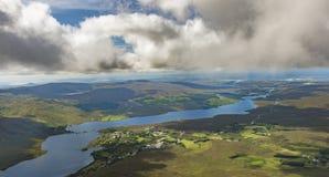 Sikt uppifrån av monteringen Errigal, Co Donegal royaltyfri fotografi