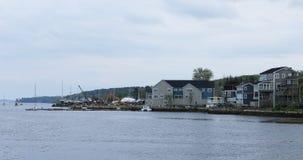 Sikt vid kusten av den Mahone fjärden i Nova Scotia 4K lager videofilmer
