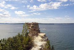 Sikten över vaggar av gruvarbetare rockerar på Lake Superior, Michigan Arkivfoton