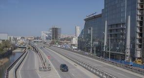 Sikten av avenyn Sievers och järnvägen kvadrerar på April 05; 201 Arkivbilder