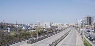 Sikten av avenyn Sievers och järnvägen kvadrerar på April 05; 2016 Royaltyfri Foto