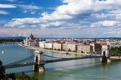 Sikten av Budapest och parlamentet Royaltyfri Bild