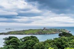 Sikten av den Dalkey ön från Sorrento parkerar Arkivfoto