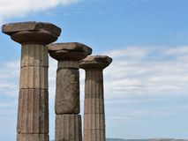Sikten av den forntida kolonnen fördärvar royaltyfri foto