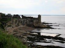 sikten av den St Andrews slotten fördärvar, Skottland Royaltyfria Foton