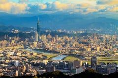 Sikten av den Taipei staden, Taiwan Royaltyfri Foto