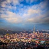 Sikten av den Taipei staden, Taiwan Arkivbild
