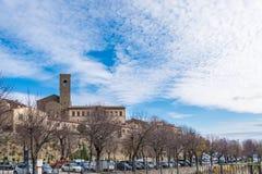 Sikten av den Tuscany staden av Cortona Arkivfoto
