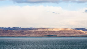 Sikten av det döda havet och Jerusalem på vinter gryr Fotografering för Bildbyråer