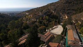 Sikten av det gröna berget och det härliga landskapet lager videofilmer