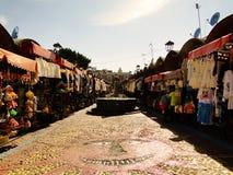 Sikten av en traditionell marknad i Puebla, Mexico royaltyfria bilder