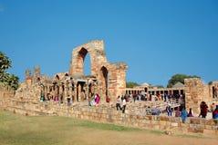 Sikten av fördärvar av Qutuben Minar Royaltyfria Foton