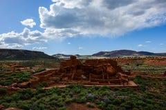 Sikten av forntida fördärvar komplexet Wupatki nationell monument i Ariz Arkivfoton