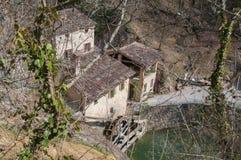 Sikten av forntida italienare maler den Molinetto dellaen Croda royaltyfri bild