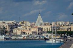 Sikten av fristaden 'vår dam av revor ', royaltyfri foto