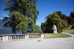 Sikten av härligt parkerar av villan Melzi Arkivbild