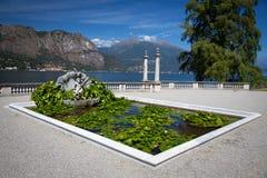 Sikten av härligt parkerar av villan Melzi Fotografering för Bildbyråer