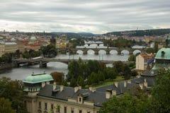 Sikten av Prague från Letna parkerar royaltyfri bild
