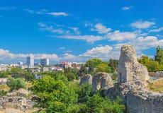 Sikten av Sevastopol och fördärvar av Chersonesos arkivbilder