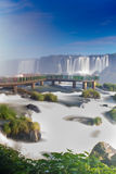 Sikten av världen berömda Iguazu Cataratas faller Royaltyfri Fotografi