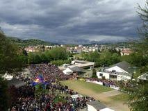 Sikten av världscupen av mountainbiket av nedstigningen har Lourdes royaltyfri foto