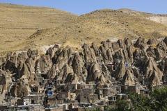 Sikten av vaggar byn Kandovan Östligt Azerbajdzjan landskap iran royaltyfri fotografi