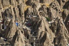 Sikten av vaggar byn Kandovan Östligt Azerbajdzjan landskap iran fotografering för bildbyråer
