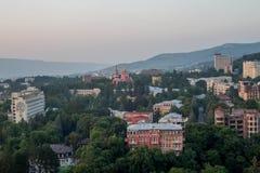 Sikten från balkongen på Kislovodsk Arkivfoto