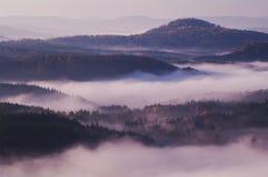 Sikten från den Vilemina vyhlidkaen förbiser, bohemmet Schweiz, Tjeckien Arkivfoto