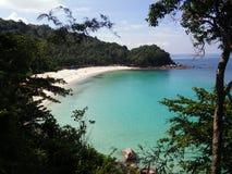 Sikten från kullen till strandparadiset Royaltyfri Fotografi