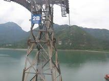 Sikten från Ngong knackar cablewayen, Tung Chung, den Lantau ön, Hong Kong arkivfoto