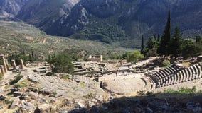Sikten på amfiteater, i den arkeologiska platsen av Delphi, Grekland video 4K stock video
