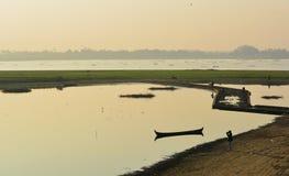 Sikten på den Ubien bron, Myanmar Arkivbild