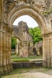 Sikten på fördärvar av Villers den devant Orval kloster i Belgien Arkivbild