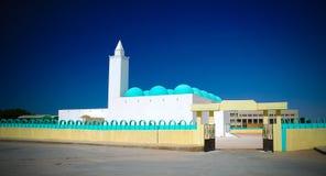 Sikten till den Ibn Abbas moskén i Nouakchott i Mauretanien Arkivbilder