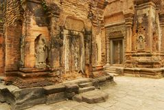 Sikten till fördärvar av den Preah Ko templet i Siem Reap, Cambodja Royaltyfri Fotografi