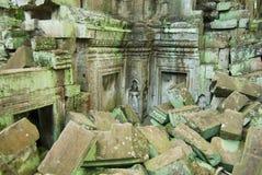 Sikten till fördärvar av templet för Ta Prohm i Siem Reap, Cambodja Royaltyfri Foto