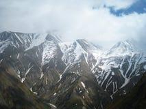 Sikter av bergen av Kaukasus Arkivbild