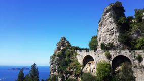 Sikter av den Amalfi kusten i Italien Arkivbild