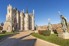 Sikter av den biskops- slotten i Astorga, Leon, Spanien. Royaltyfri Bild