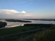 Sikter av den Kama floden royaltyfria bilder