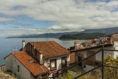 Sikter av den kust- byn för Lastres sjöman i Asturias Royaltyfria Bilder