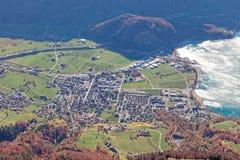 Sikter av den Seeztal dalen och Walensee sjön från Churfirsten royaltyfri fotografi