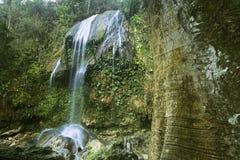 Sikter av den Soroa nedgången, Pinar del Rio, Kuba arkivfoto