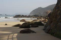 Sikter av floden, Aguilar strand, Asturias fotografering för bildbyråer