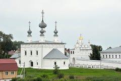 Sikter av gamla hus och kyrkor Royaltyfri Foto