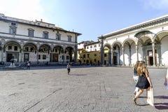 Sikter av grannskapar, gator och kyrkor av Florence Arkivbilder